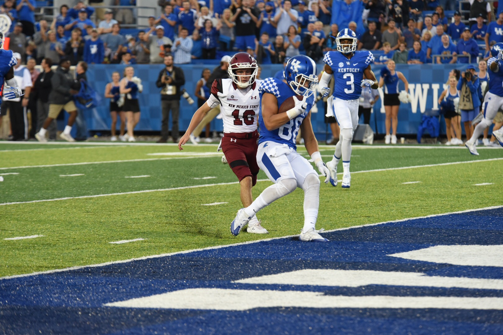Charles Walker getting into the end zone after his punt return. Photo by Brandon Turner