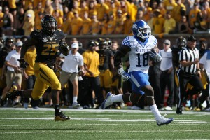 UK tailback Boom Williams breaks loose on a 60-yard scoring run in the Wildcats' win at Missouri. Photo by Chet White | UK Athletics
