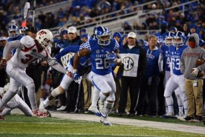 Tailback Benny Snell races for one of his two TDs against APSU