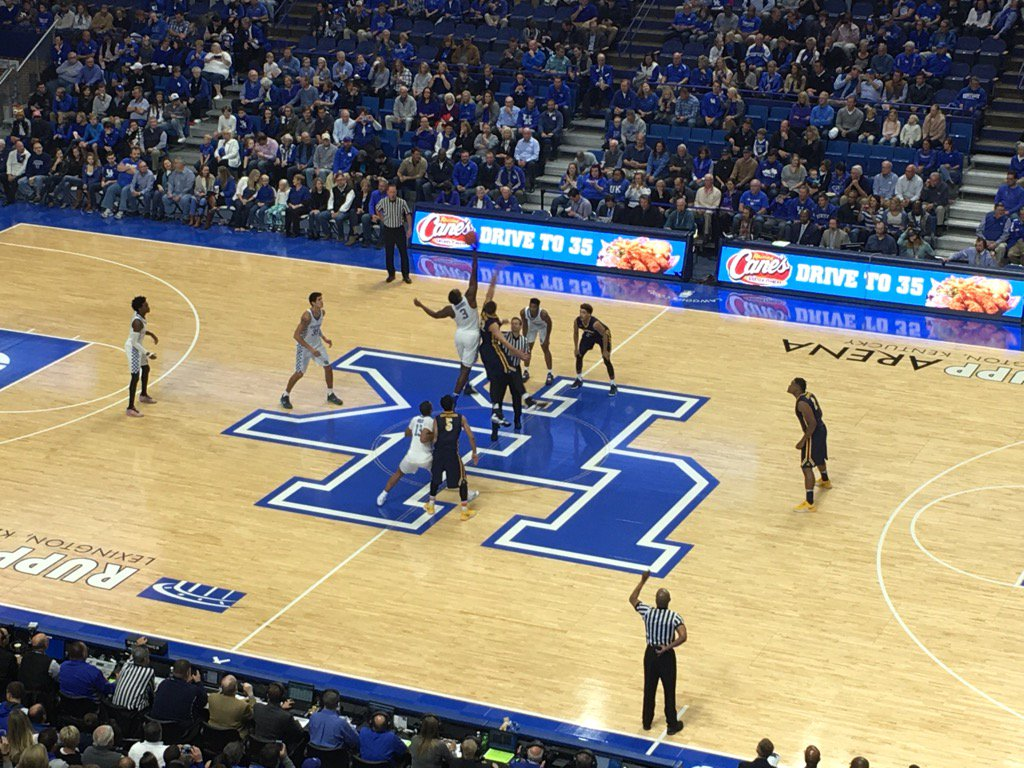 Kentucky vs Canisius tip off