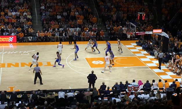 Tennessee 76, Kentucky 65 game wrap up