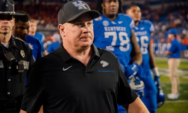 Mark Stoops previews Auburn in first Monday press conference of season