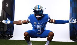 Kentucky commit Torrance Davis announces he will not sign during National Signing Day