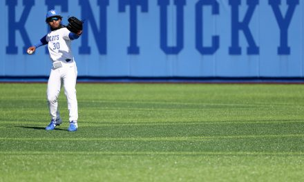 Kentucky sweeps doubleheader from Oakland